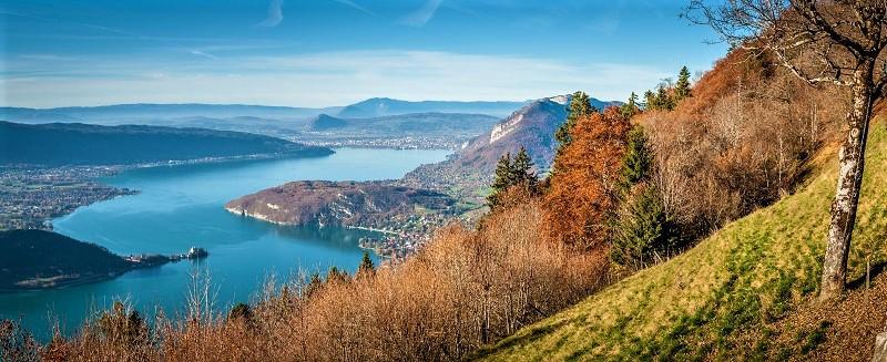 AlpAddict au bord du lac d'Annecy, vers le col de la Forclaz