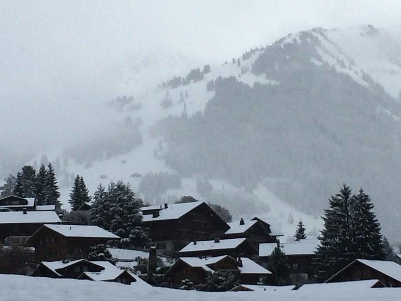 Skier en Suisse avec AlpAddict