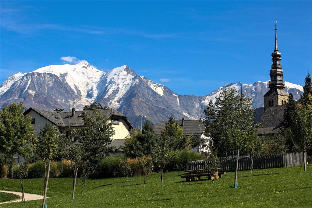 Combloux, clocher de l'église et Mont Blanc