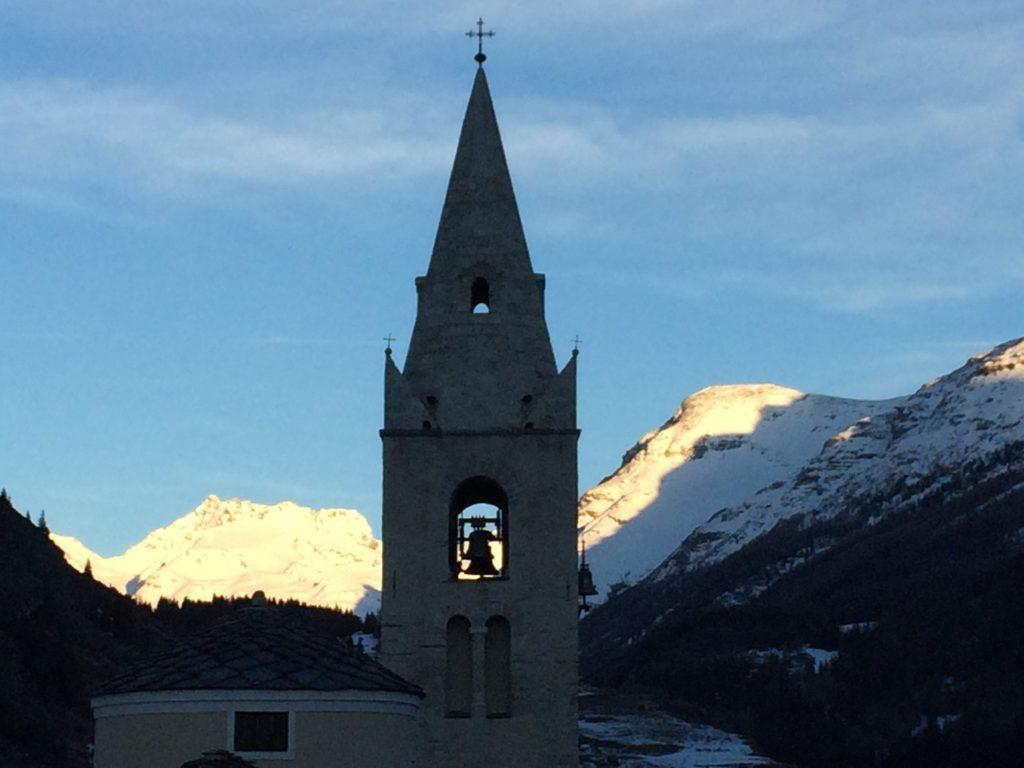 Le clocher de Lanslevillard en Haute Maurienne