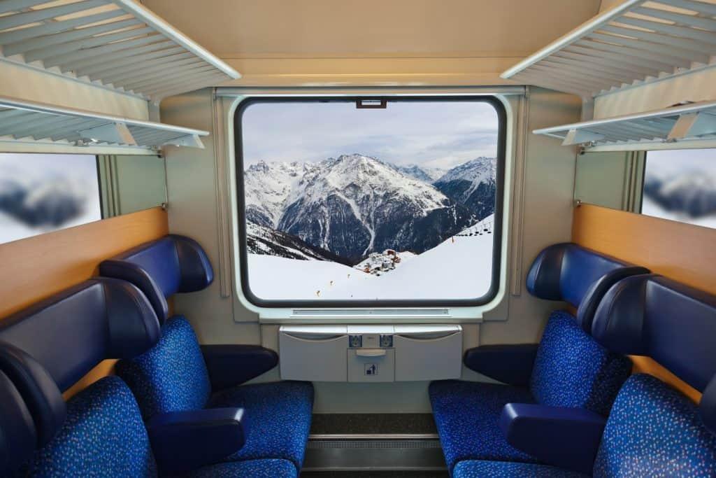 AlpAddict en train dans les Alpes