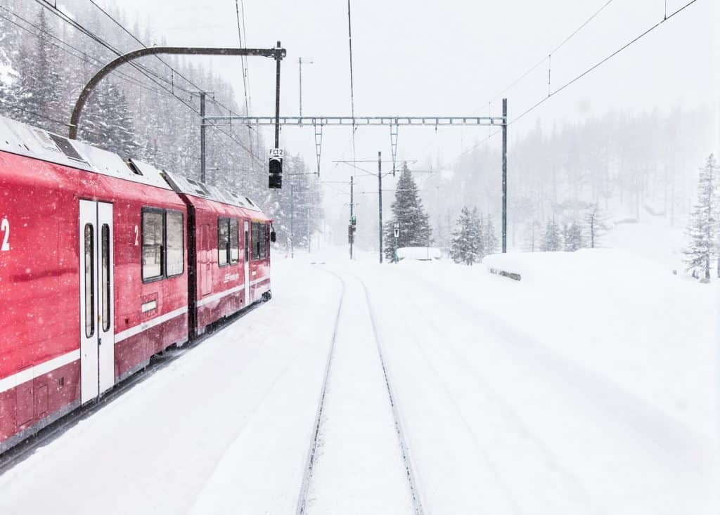 Train sous la neige