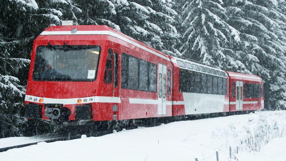 Aller au ski en train dans les Alpes françaises